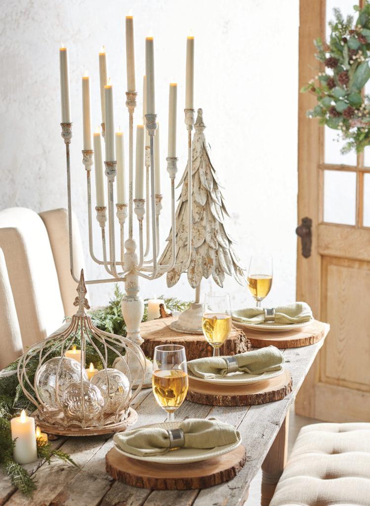 Easy Elegant Flameless Candle Christmas Centerpiece Ideas
