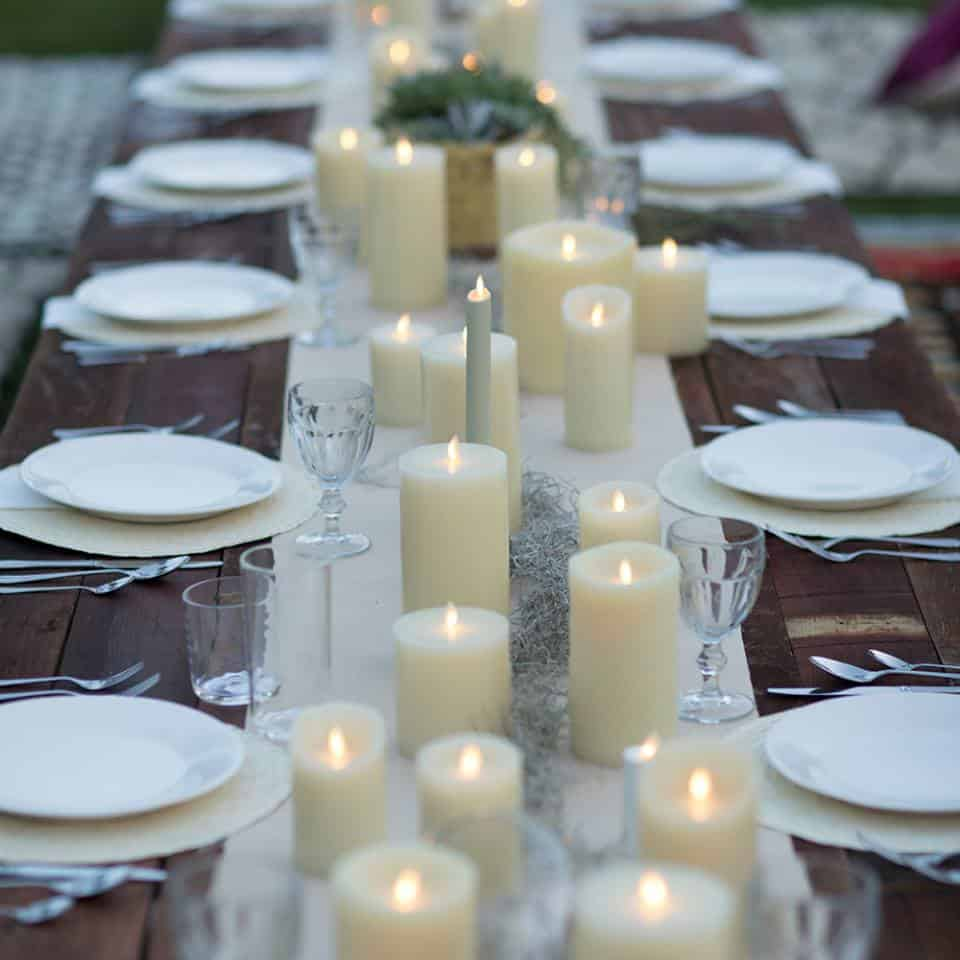 Enjoyable 10 Romantic Flameless Candle Wedding Centerpiece Ideas Home Interior And Landscaping Analalmasignezvosmurscom