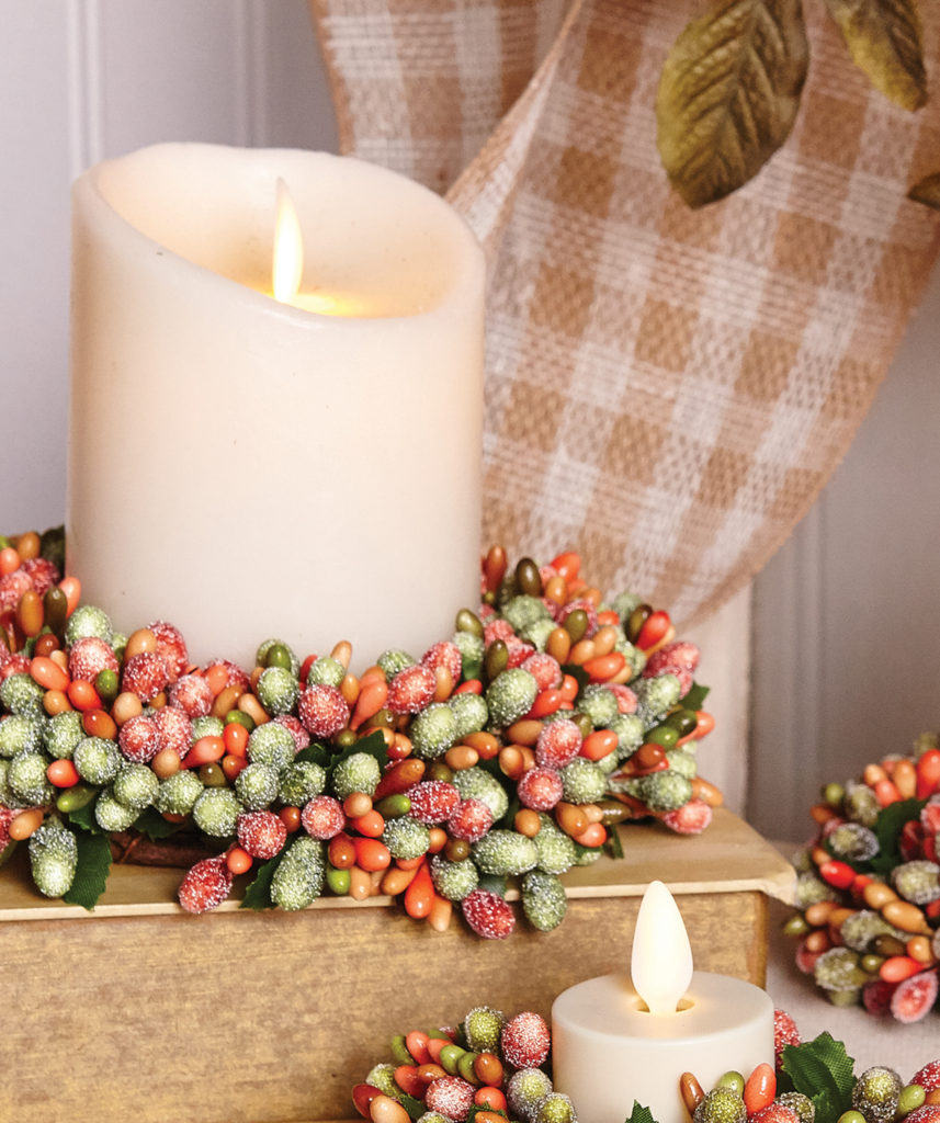 20 Enchanting Fall Candle Decorating Ideas To Try This Autumn